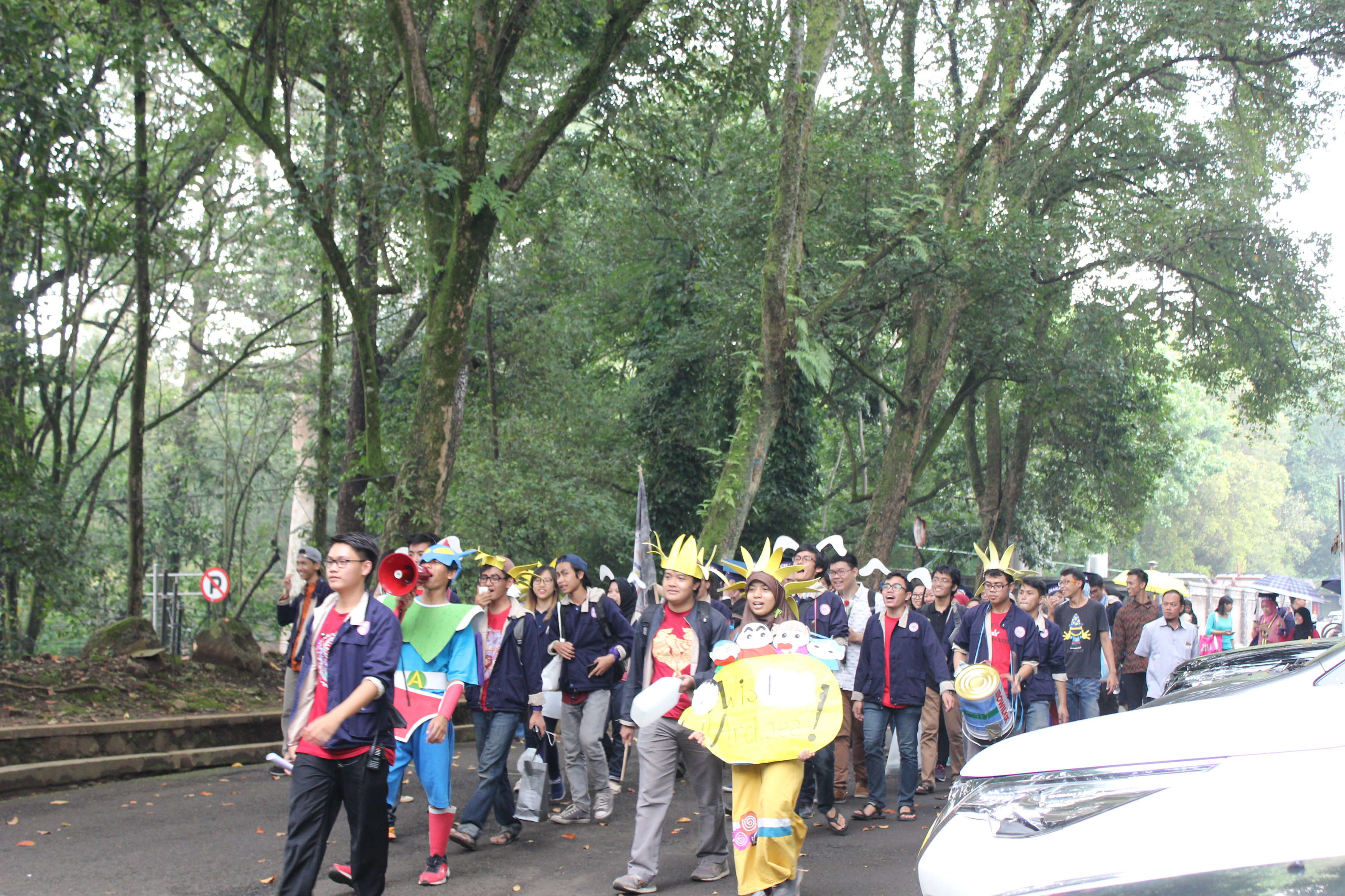 Arak-arakan Wisuda Okrober 2016